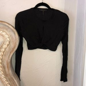 Crop long sleeve top.